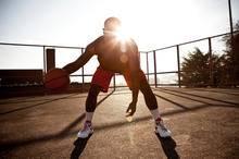 前交叉韧带断裂是否会终结你的运动生涯-前叉之家